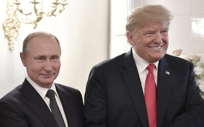Putin osobne schválil tajnú operáciu, ktorou chcelo Rusko dosadiť Trumpa za prezidenta, tvrdia údajne uniknuté dokumenty z Kremľa