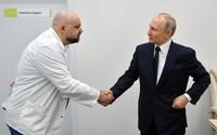 Putin si podával ruku s lékařem, který má koronavirus. Zatím pracuje z domu, neustále ho však testují