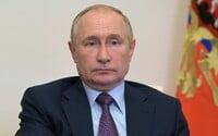 Putin vyzýva na zrýchlenie očkovania proti koronavírusu. Rusko zaznamenalo denný rekord v počte úmrtí