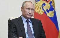 Putinova popularita spadla v době pandemie na historické minimum