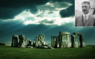 Původně měl jít pořídit záclony, ale koupil rovnou Stonehenge. Byla za tím jeho žena, nebo jiný úmysl?