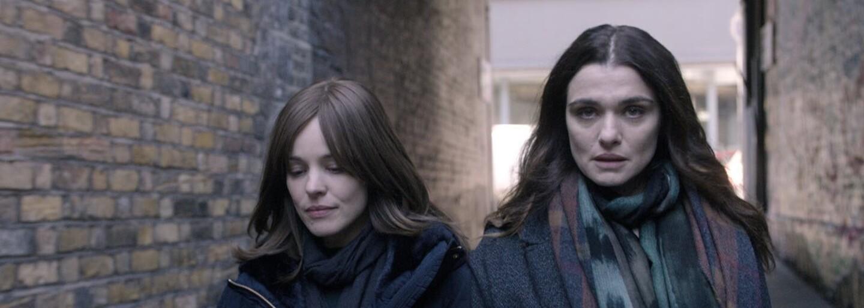 Rachel Weisz a Rachel McAdams sa vo filme Disobedience oddávajú vzájomnému sexuálnemu potešeniu plnému vášne a intímnosti