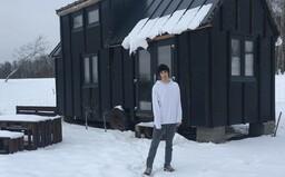 Radek si v 16 letech sám staví dům. Bude jej stát méně než 400 tisíc korun (Rozhovor)
