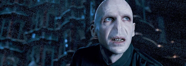 Ralph Fiennes si chce vo Fantastických zveroch znova zahrať Voldemorta