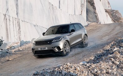 Range Rover fascinuje. Úplne nový Velar zaujme nádherným exteriérom a famóznym interiérom