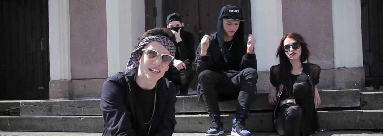Rap a módu si naše scéna spojovala už dávno před HAHA Crew. Připomeň si 10 zásadních skladeb o oblečení od českých a slovenských interpretů
