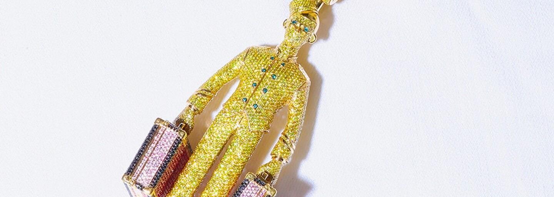 Tyler, the Creator, si koupil náhrdelník s podobiznou hotelového nosiče zavazadel. Stál ho více než 10 milionů korun