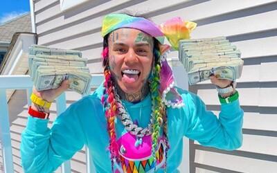 Rapera 6ix9ine plánujú promotéri zažalovať o 5,3 milióna dolárov. Vraj zobral peniaze, ale koncertoval niekde inde