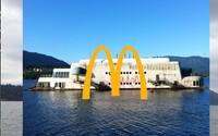 Raz futuristická reštaurácia McDonald's na plavidle, dnes schátraný a opustený čln. Ambiciózny projekt nikdy nevyšiel