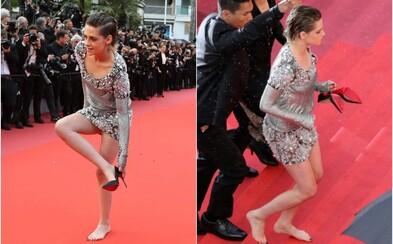 Rebelská Kristen Stewart chodila po červeném koberci bosá. Rozhodla se, že poruší konvence filmového festivalu v Cannes