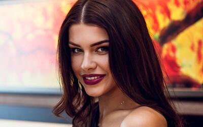 Refresher dievča: Jedna z najkrajších Sloveniek a riaditeľka súťaže Miss Slovensko Karolína Chomisteková