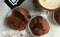 REFRESHER recept: Čokoládové muffiny, které potěší jak k snídani, tak i k odpolední kávě