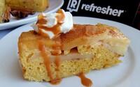 REFRESHER recept: Obrátený jablkový koláč s karamelom