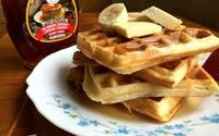 REFRESHER recept: Připravte si belgické vafle laděné do amerického stylu – s javorovým sirupem