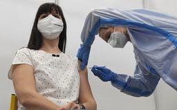 Registrace očkování Covid 65+ začíná již ve středu. Kdy přijde řada na mladší ročníky?