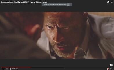 Remake Die Hard? Jednonohý a nezastaviteľný Dwayne Johnson si to v najnovšom traileri rozdal rovno s horiacim mrakodrapom a teroristami