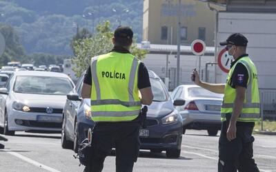 Režim na hraniciach sa možno zmení: Viacero výnimiek pri návrate z červených krajín pribudne, niektorí Slováci majú problém