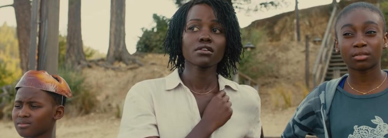 Režisér Get Out nás vyděsí psychologickým hororem Us. Černošská rodina v něm bojuje o život proti svým klonům