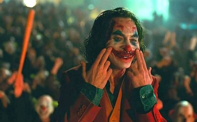 Režisér Jokera oficiálně pracuje na pokračování. Studio plánuje další temné filmy o postavách z DC
