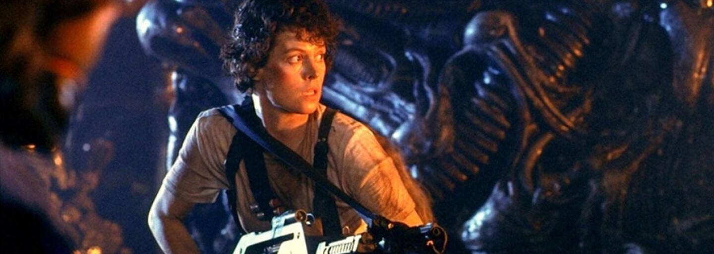 Režisér Neill Blomkamp využíva problémy s Votrelcom od Ridleyho Scotta a snaží sa opäť raz vzbudiť záujem o svoj vlastný Alien projekt