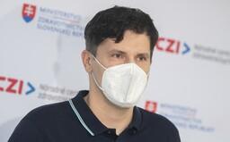 Riaditeľ NCZI, ktorý kritizoval, že mladým stopli očkovanie, končí vo funkcii. Odvolal ho minister Lengvarský