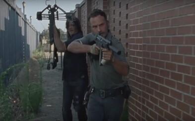 Rick a jeho spojenci zahajujú krvavú vojnu proti Neganovi v akčnom, intenzívnom a poriadne dlhom traileri pre 8. sériu The Walking Dead