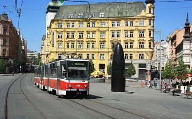 Řidič si v Brně nelegálně namaloval vlastní parkovací místo přímo na náměstí