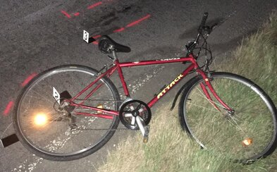 Řidič usmrtil staršího muže na kole a ujel, policie hledá svědky tragické nehody