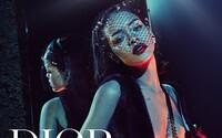 Rihanna je první černoškou, která kdy pózovala v kampani Dior. V noci se procházela po zámku ve Versailles