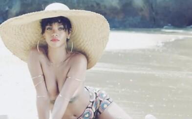 Rihanna s videom k sexy foteniu pre Vogue