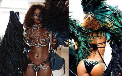 Rihannina odhalená postava bola na festivale v Barbadose cieľom každého pánskeho oka
