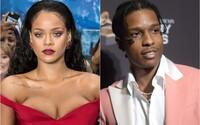Rihannu a ASAP Rockyho údajně nepustili do klubu, protože si zapomněli občanky. Jejich veřejné rande ovládlo sociální sítě