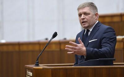 Robert Fico bude znovu kandidovať na post šéfa Smeru: Vyzerajú trápne a smiešne, sú to zradcovia, komentoval odídencov