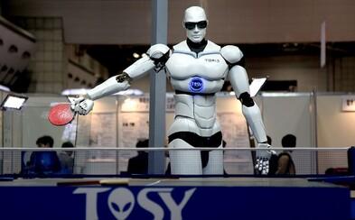 Roboti nám ukradnou práci, varuje Elon Musk. Řešením je podle vizionáře univerzální příjem pro každého