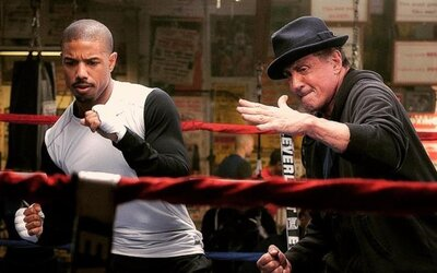 Rocky sa vracia do ringu na prvej fotke pre spin-off Creed