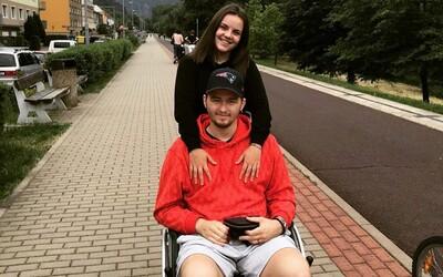 Rodiče českého hokejisty, který podlehl rakovině, vrátili vybrané peníze na jeho léčbu. Peníze účel splnily, uvedli