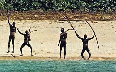 Rodina zavraždeného Američana odpúšťa kmeňu Sentinelov. Na domorodcov kričal, že ich Ježiš miluje