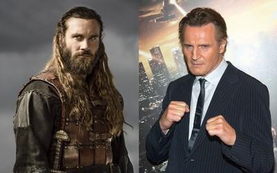 Rollo z Vikingov stvárni mladého Bryana Millsa v prequelovom seriáli Taken