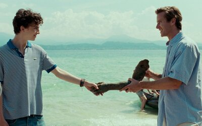 Romantická dráma o vášnivom vzťahu tínedžera a mladého študenta Call Me By Your Name prichádza s ďalšími ukážkami
