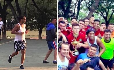 Ronaldinho hraje fotbal i v paraguayském vězení. S odvoláním opět neuspěl