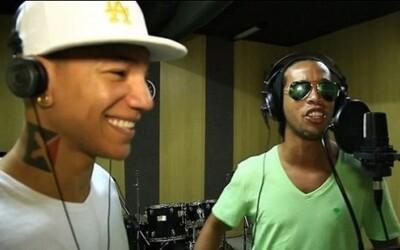 Ronaldinho v úlohe speváka natočil nový brazílsky hit