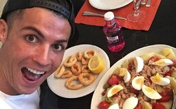 Ronaldo dal šéfkuchárom Manchestru United zoznam svojich obľúbených jedál, spoluhráči z toho však nie sú príliš nadšení