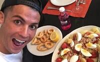 Ronaldo dal šéfkuchařům Manchesteru United seznam svých oblíbených jídel. Spoluhráči z toho nejsou příliš nadšení