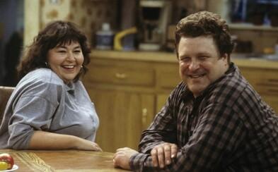"""Roseanne a jej """"podarená"""" rodinka je späť! Prvý zábavný trailer dáva fanúšikom možnosť zaspomínať na situačný humor z 80. a 90. rokov"""
