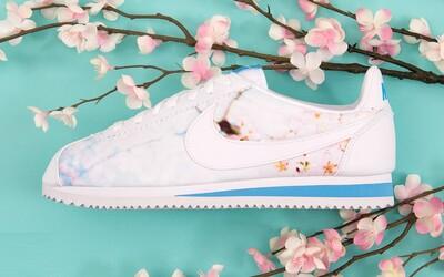Rozkvitnuté sakury v jarnej sérii tenisiek Nike pre dámy