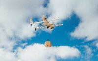 Rozvoz balíkov dronmi prichádza do Európy. Stroje od Google budú nosiť raňajky, lieky či potreby do domácnosti