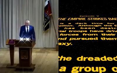 Rus nechtiac zložil sľub starostu za zvukov legendárnej zvučky zo Star Wars. Smejú sa mu, že prešiel na temnú stranu sily