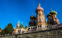 Rus s jedem v Praze je novinářská kachna, tvrdí Kreml. O žádném vyšetřování prý vůbec nic neví