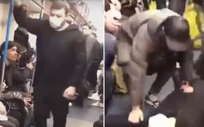 Rus v metru předstíral nákazu koronavirem. Za nevhodný vtip mu hrozí 5 let vězení
