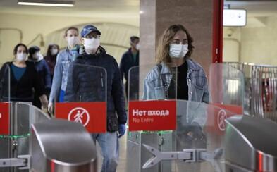 Rusové mají už druhý nejvyšší počet nakažených na světě. Mrtvých prý může být o 70 procent více, než uvádějí úřady